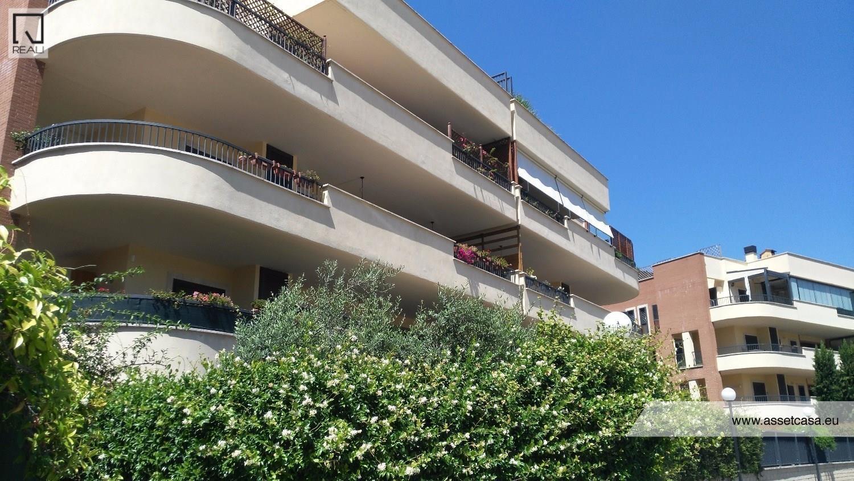 Attico / Mansarda in vendita a Roma, 3 locali, zona Zona: 22 . Eur - Torrino - Spinaceto, prezzo € 435.000   CambioCasa.it