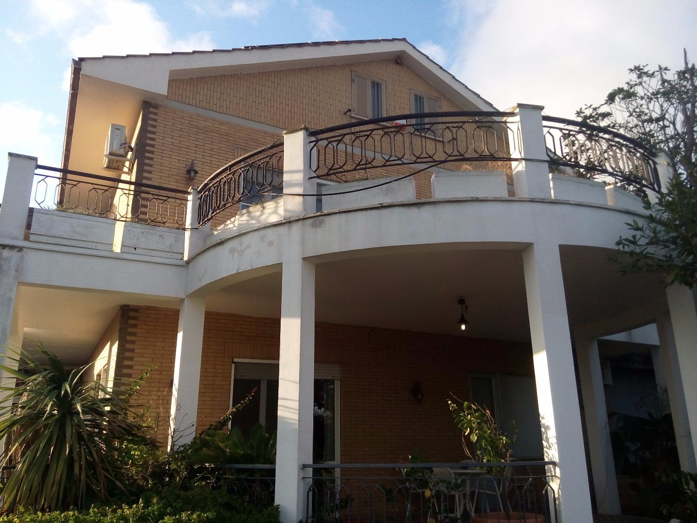 Casa santa marinella appartamenti e case in vendita a for Case in vendita santa marinella