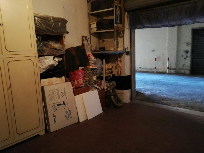 Vomero / Arenella via Pigna (parte alta) box auto 20 mq