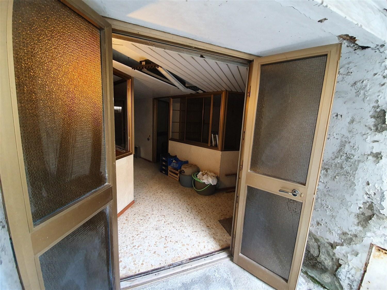 Chiaiano/ Frullone/Piscinola ampio deposito 110 mq