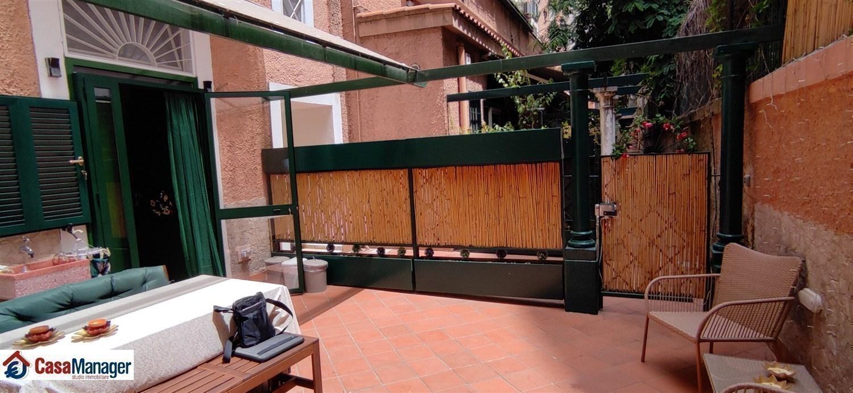 Bilocale ristrutturato con terrazzo a livello