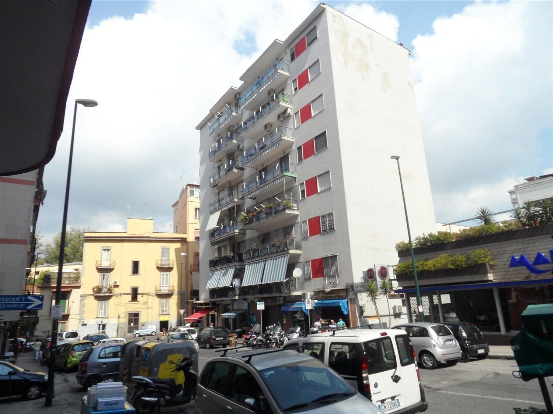 Vomero Arenella via Omodeo 65 mq con p. auto