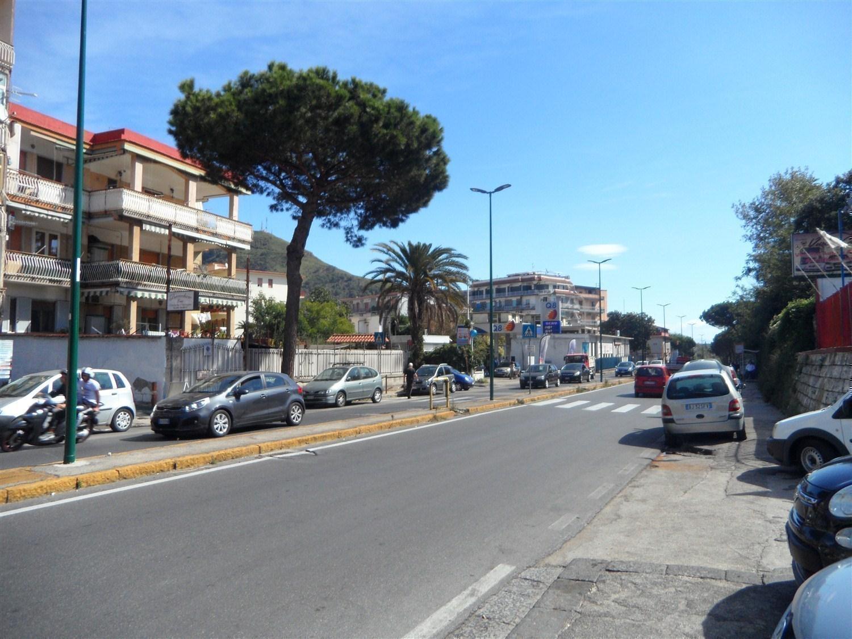 Pianura Via Montagna Spaccata trilocale locato