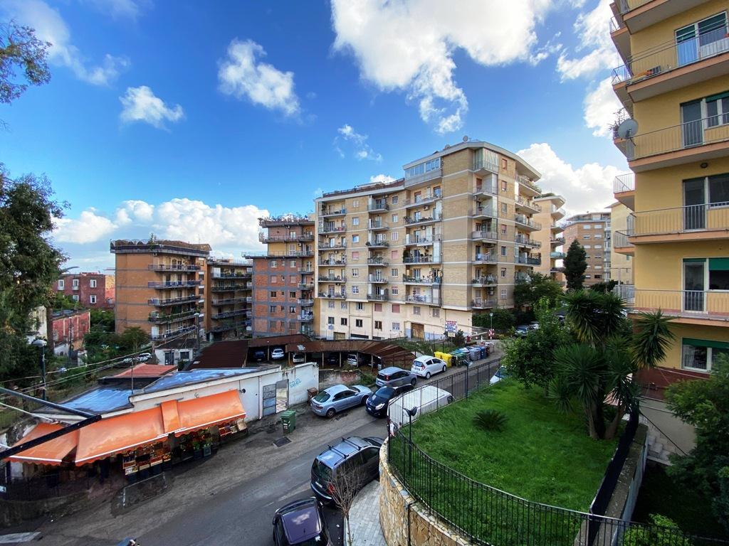 Vomero Arenella via S. G. Dei Capri appartamento 100 mq