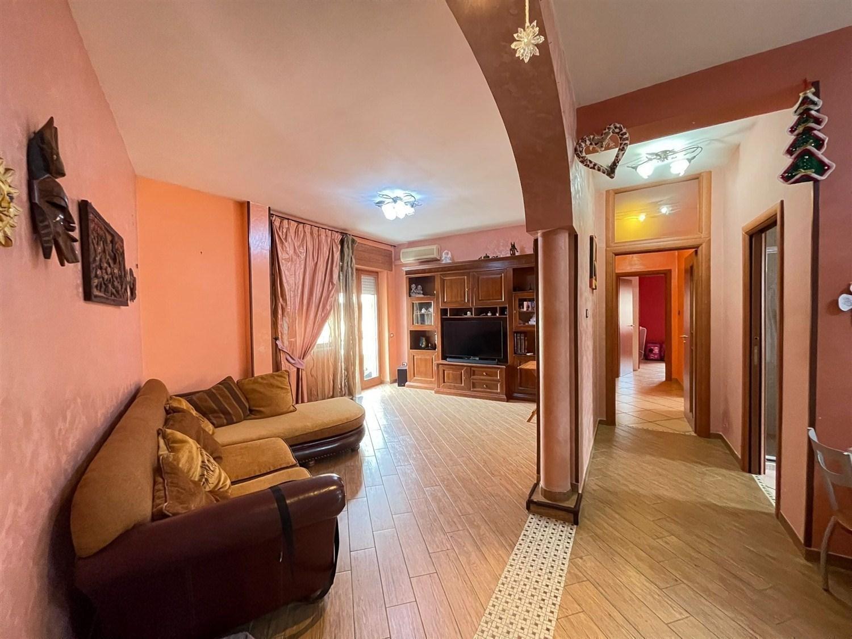 Ponticelli Rione incis appartamento 110 mq