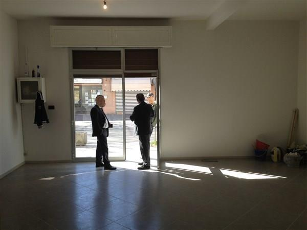 Negozio / Locale in vendita a Carpi, 3 locali, prezzo € 145.000 | CambioCasa.it