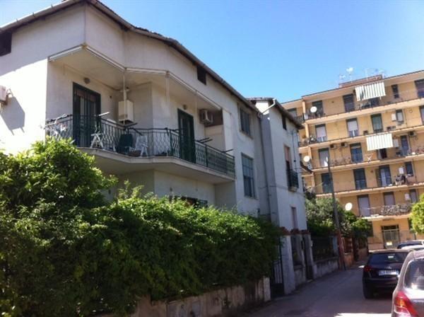 Zona STAZIONE -  Appartamento 2 locali € 300 A208