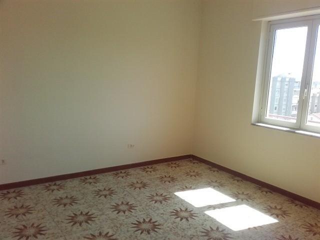 Zona KENNEDY -  Appartamento 3 locali € 350 A3269