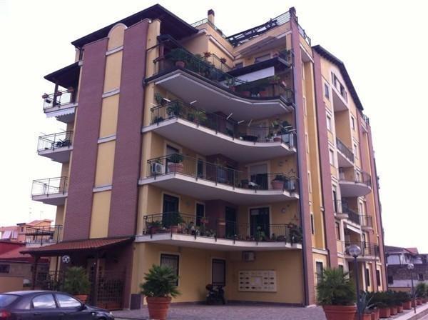 Aversa aversa centro appartamento 5 locali con - Agenzie immobiliari aversa ...