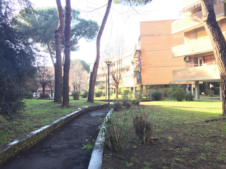 Appartamento in vendita a Roma, 4 locali, zona Zona: 22 . Eur - Torrino - Spinaceto, prezzo € 280.000 | CambioCasa.it