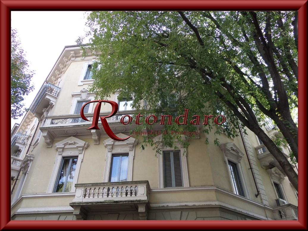 Appartamento in Affitto in Via A. da Giussano Milano