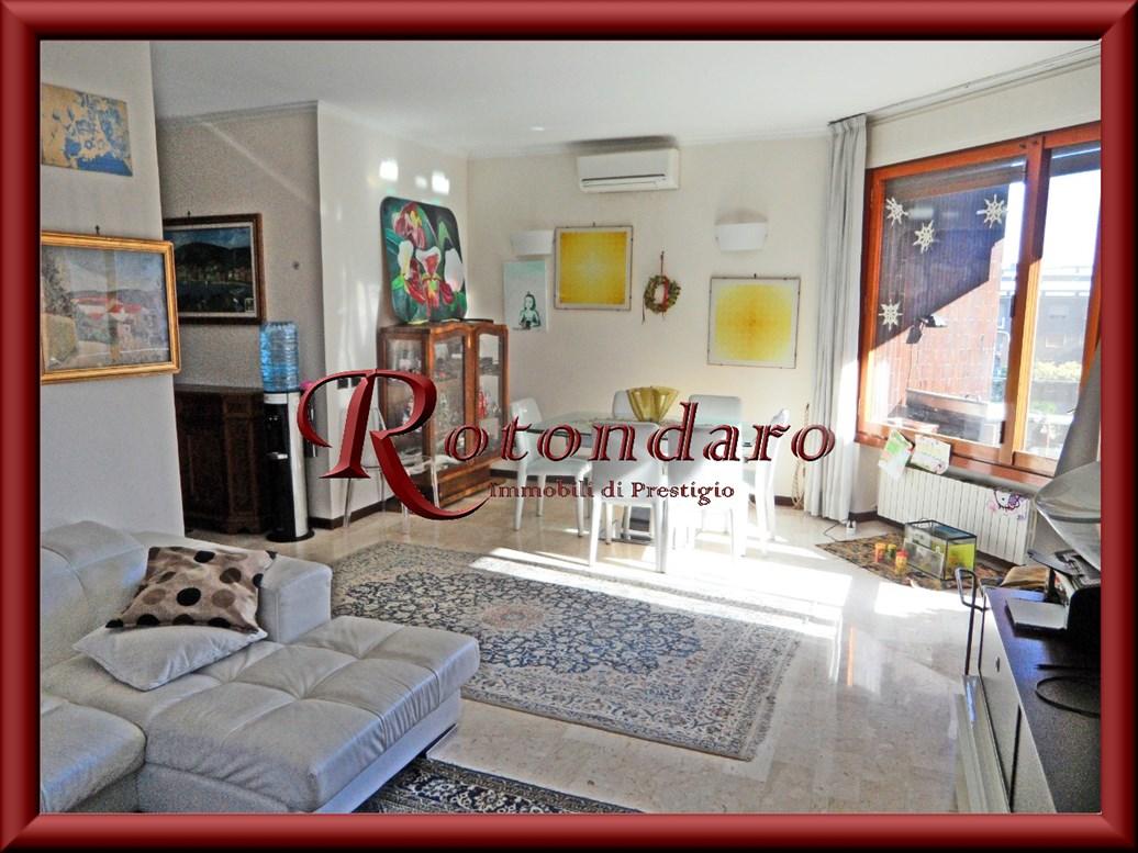 Appartamento in Vendita in Via Donati Milano