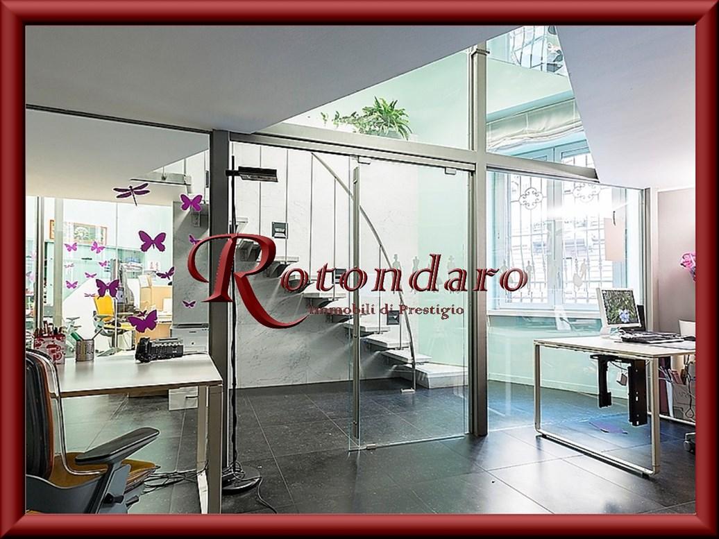 Appartamento in Vendita in Via Saffi Milano