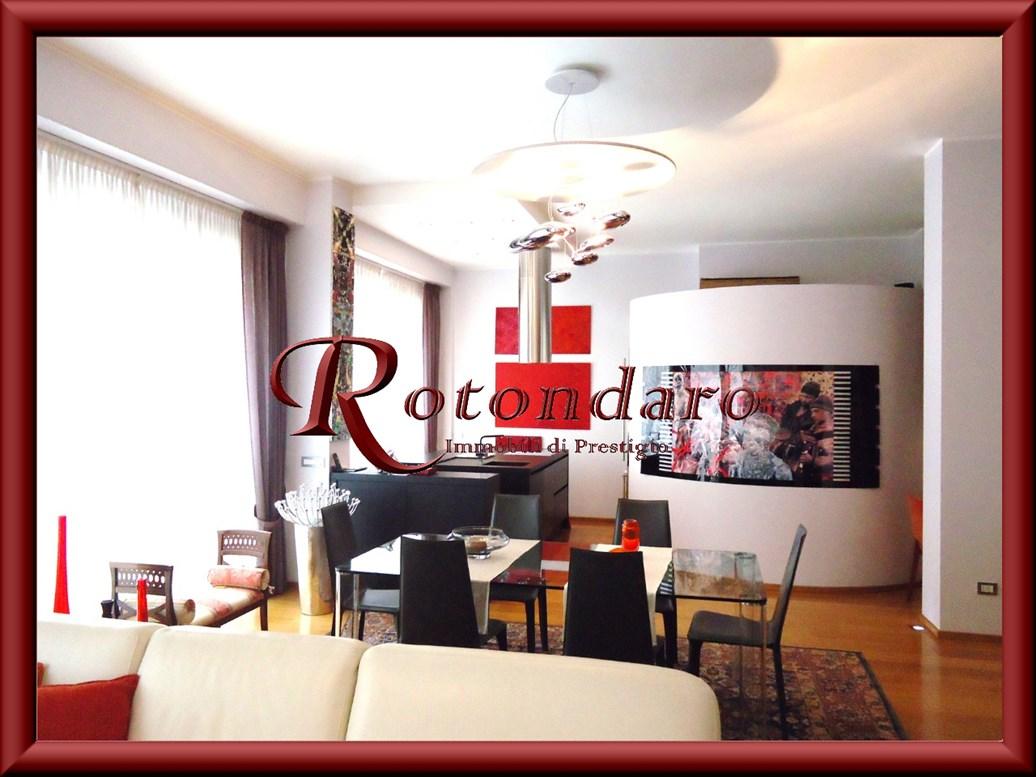 Appartamento in Vendita in Via Paolo da Cannobio Milano