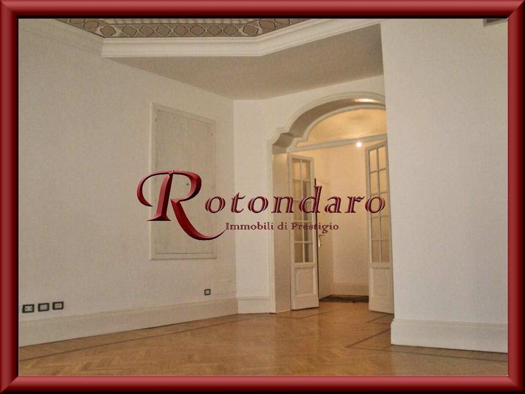 Appartamento in Affitto in Via Sant'Andrea Milano