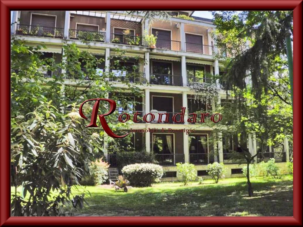 Appartamento in Vendita in Via Alerami Milano