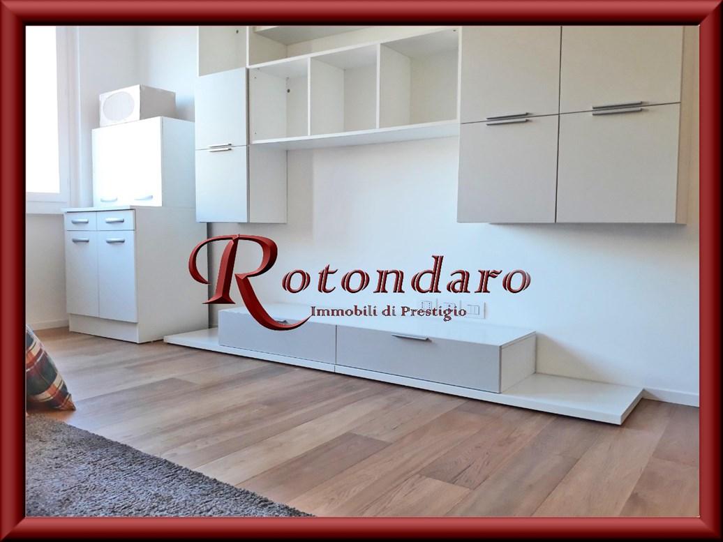 Appartamento in Affitto in Via Pietro Panzeri Milano