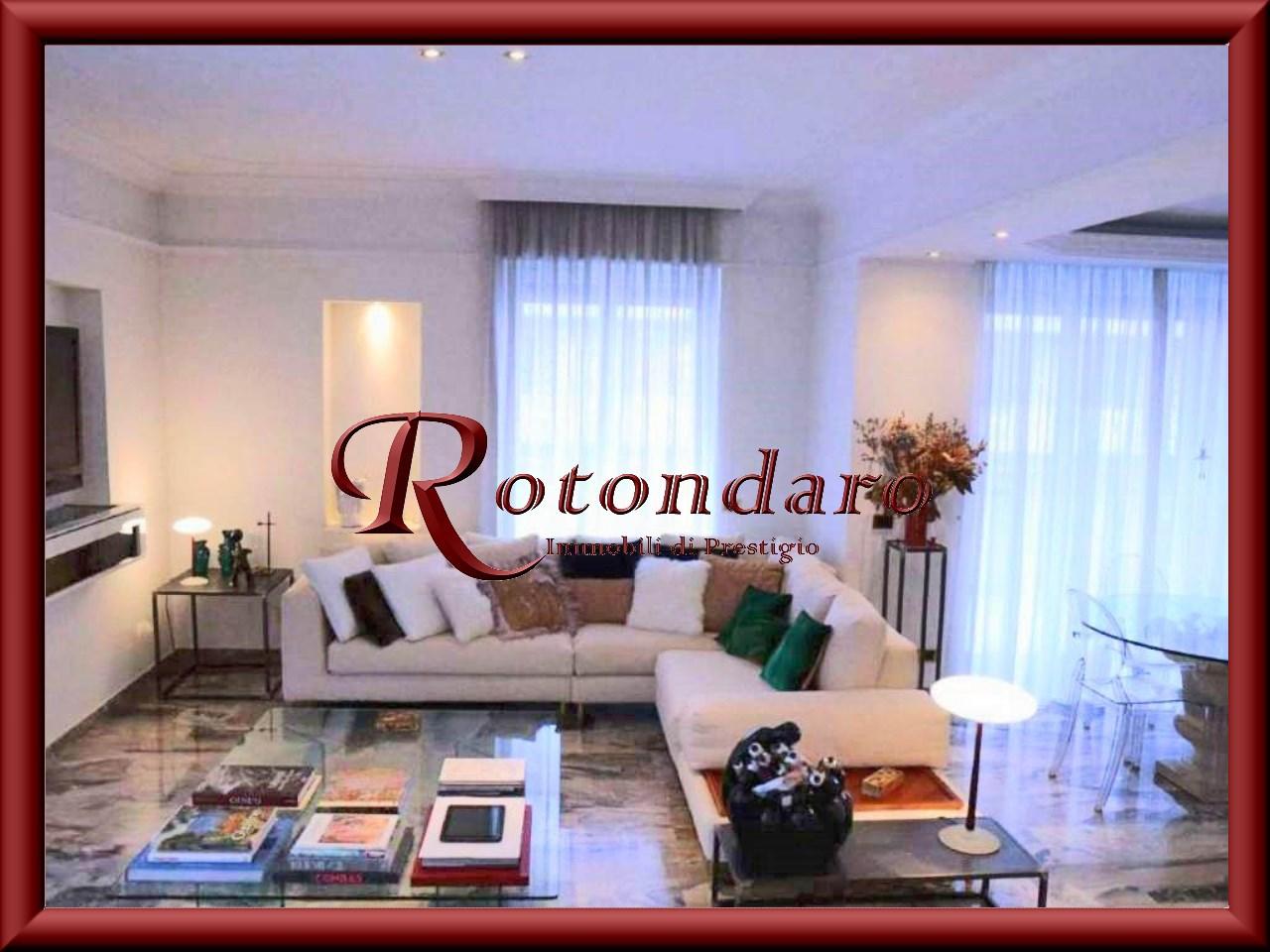 Appartamento in Vendita in Via Ressi Milano