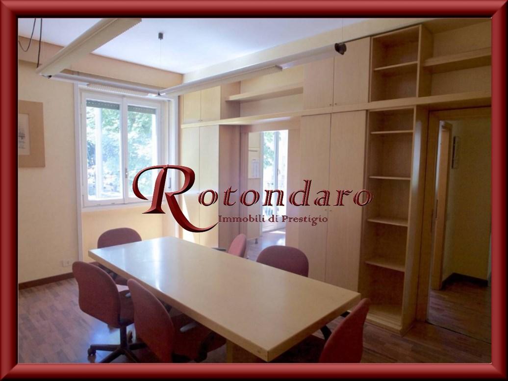 Appartamento in Vendita in Viale Teodorico Milano