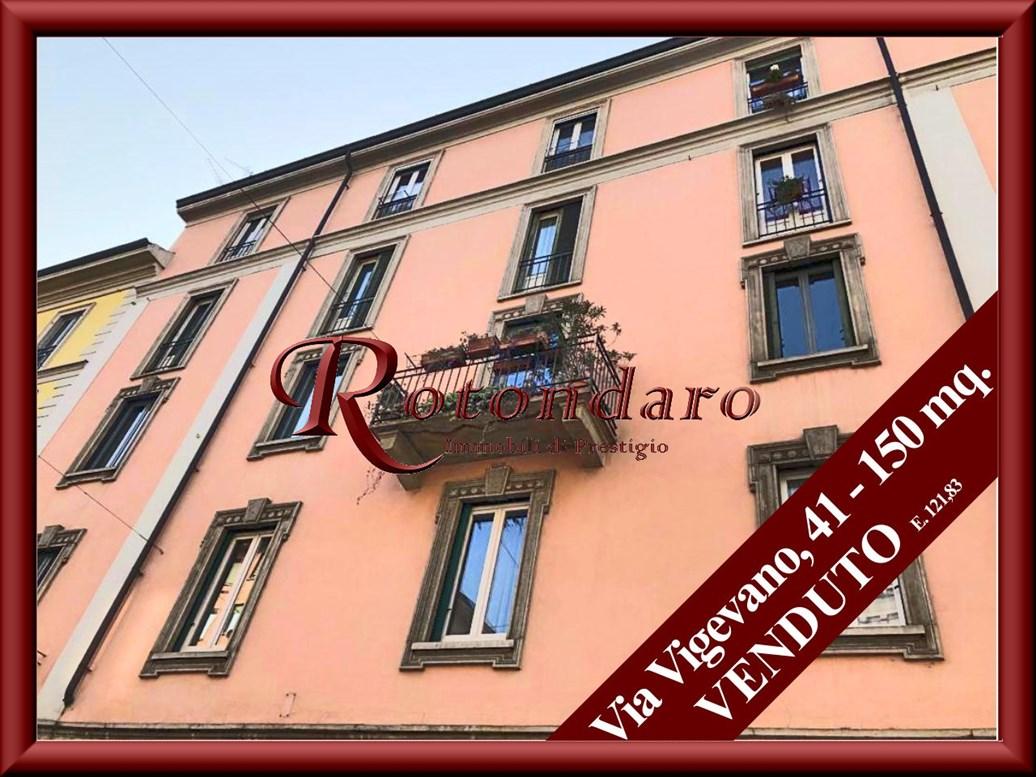 Appartamento in Vendita in Via Vigevano Milano