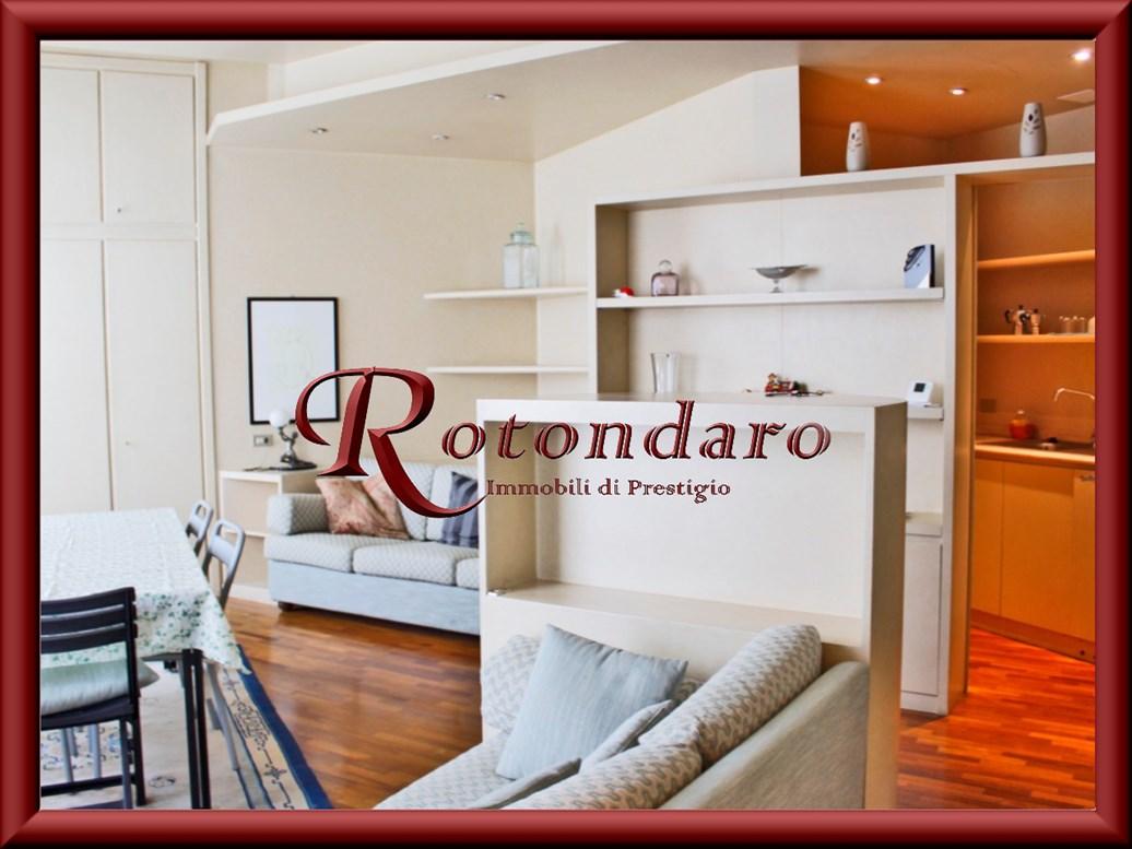 Appartamento in Affitto in Piazza Santo Stefano Milano