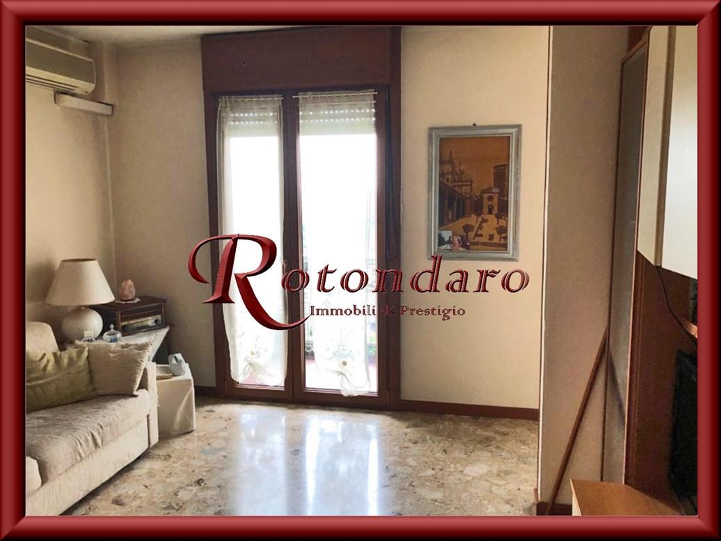 Appartamento in Vendita in Via Quarenghi Milano