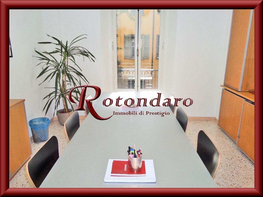 Ufficio in Affitto in Via Leopardi Milano