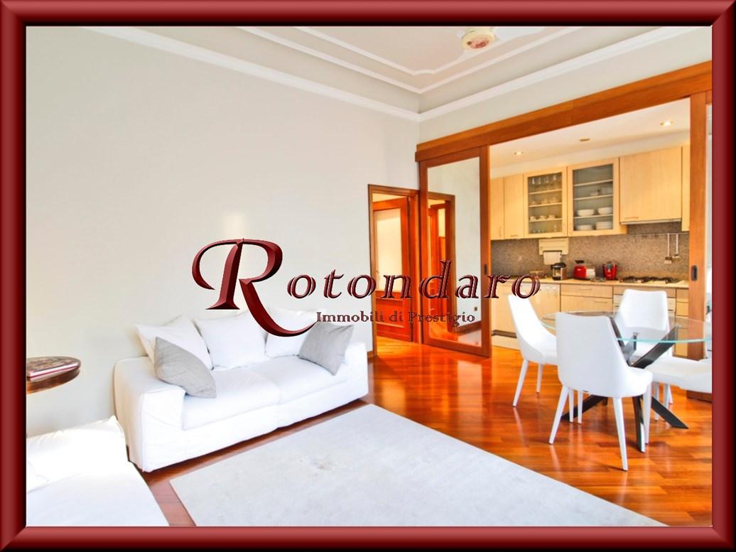 Appartamento in Affitto in Via Ariosto  Milano