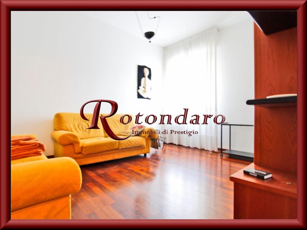 Appartamento in Affitto in Via Trebazio Milano