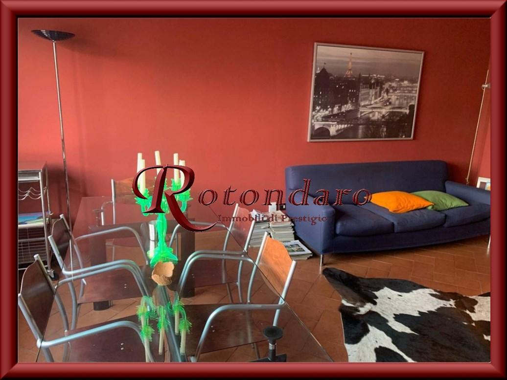 Appartamento in Affitto in Via Olona  Milano