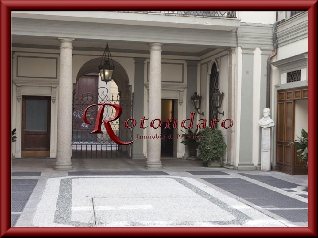 Ufficio in Affitto in Via Borgospesso Milano
