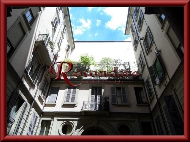 Appartamento in Affitto in Via Volta Milano