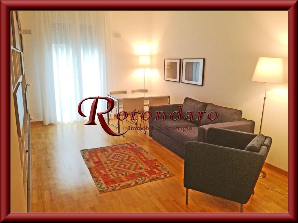 Appartamento in Affitto in Via Della Moscova Milano