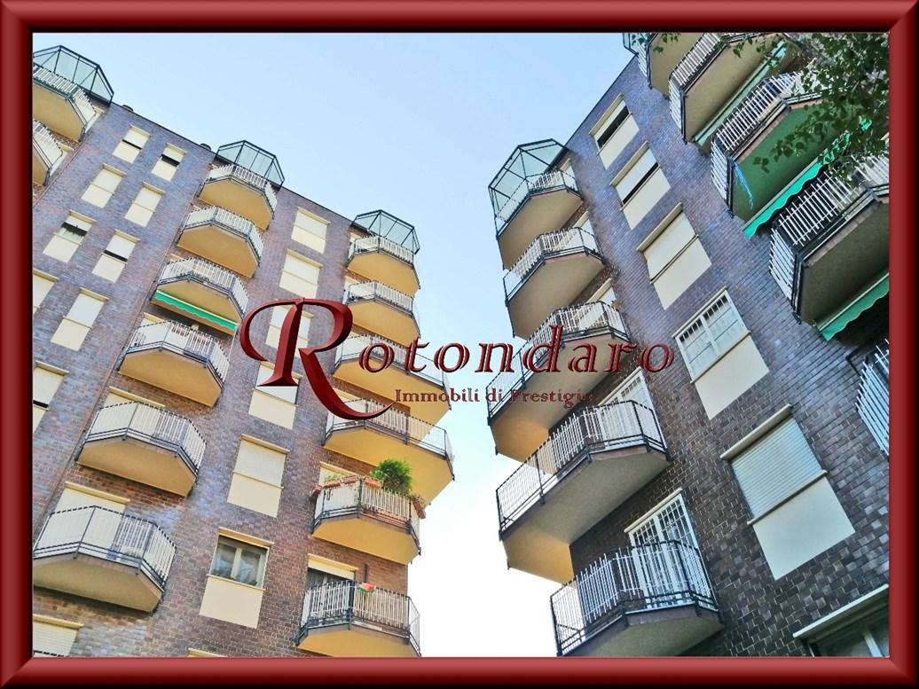 Appartamento in Vendita in Via San Gimignano Milano