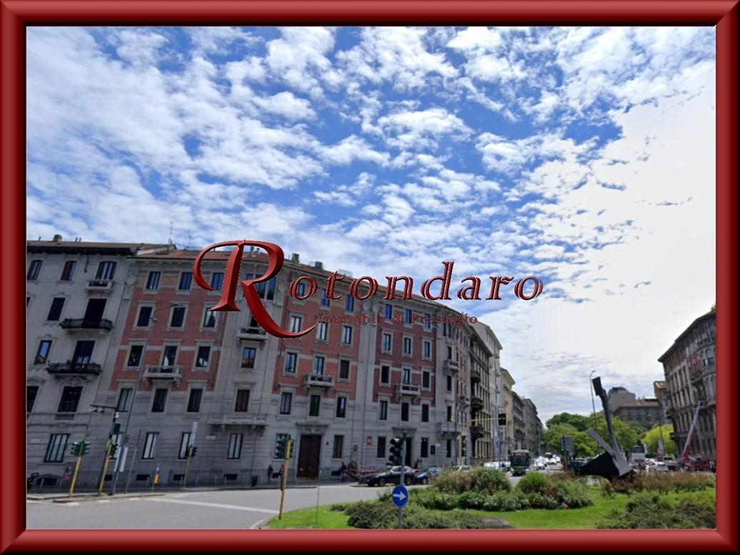 , Via Bazzoni, Milano