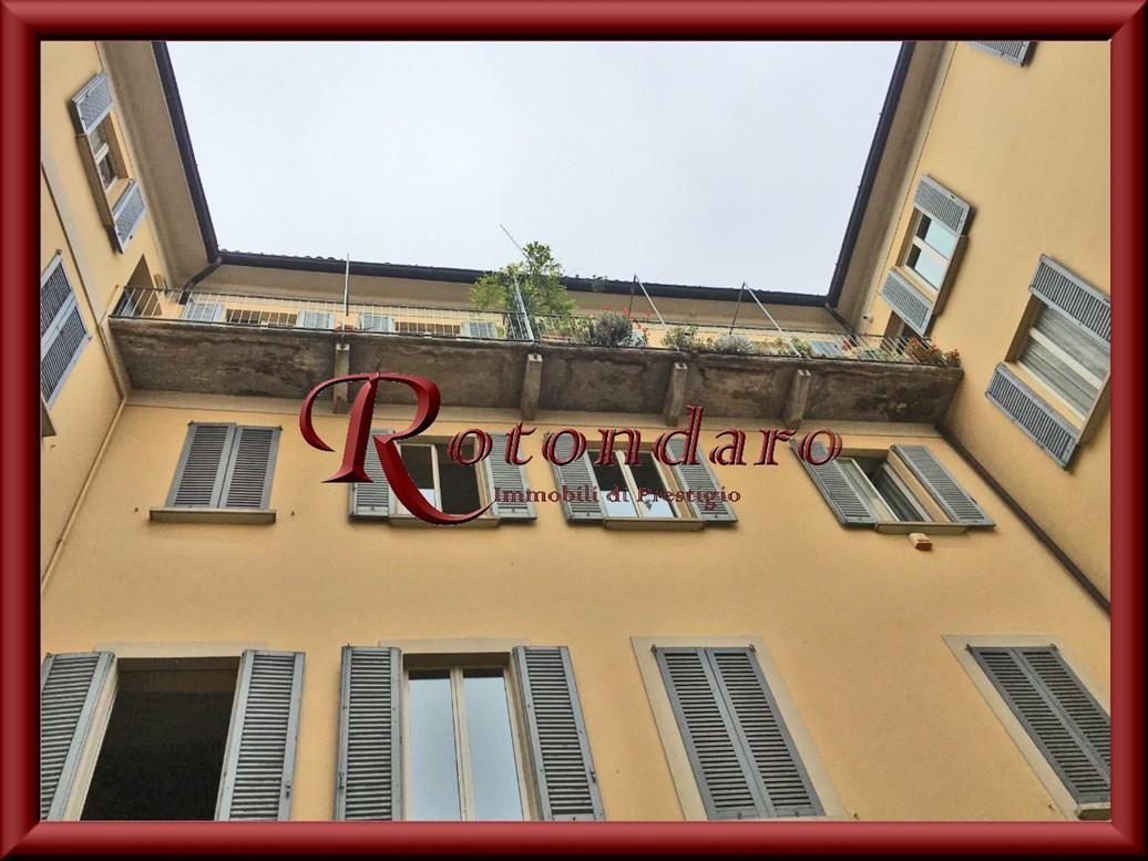Appartamento in Vendita in Via San Nicolao Milano