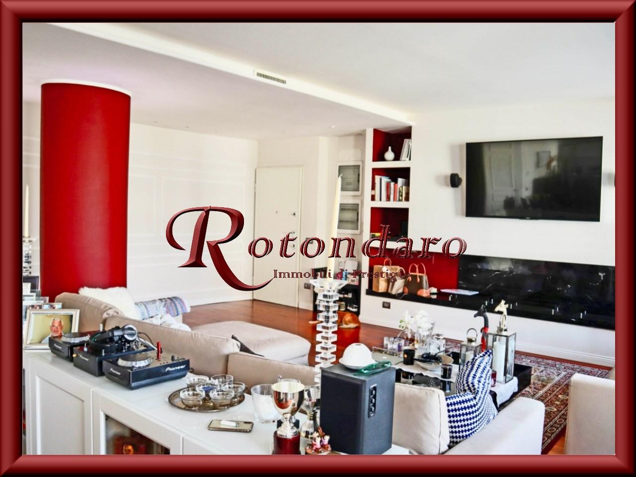 Appartamento in Vendita in Via Andrea Doria Milano