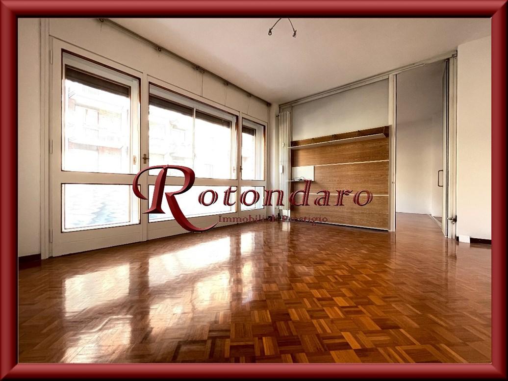 De Angeli, Vercelli, Washington  Appartamento in Affitto