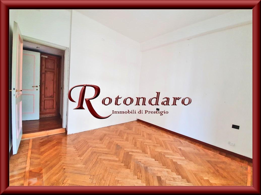 Appartamento in Vendita in Via Privata Reggio Milano