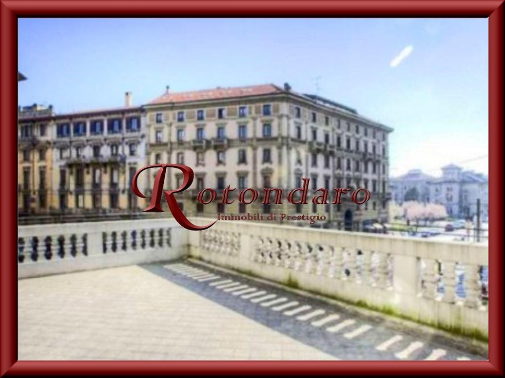 Appartamento in Affitto in Via Mascheroni Milano