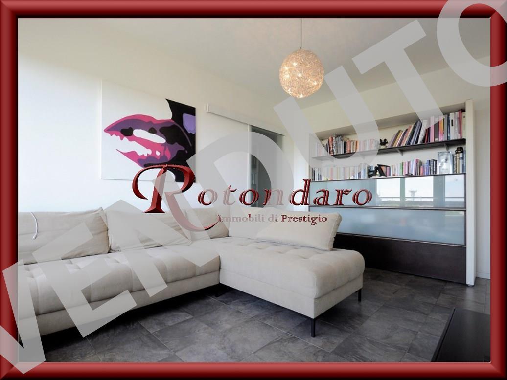 Appartamento in Vendita in Via Monte Penice Rozzano