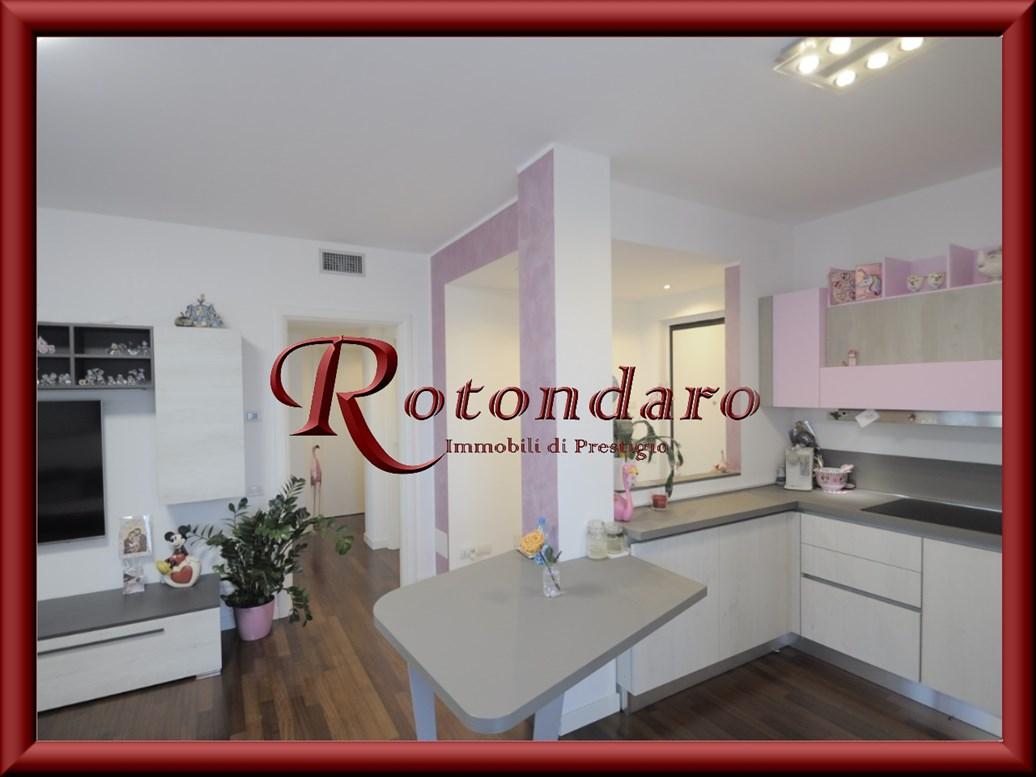 Appartamento in Vendita in Via Amendola 24 Rozzano