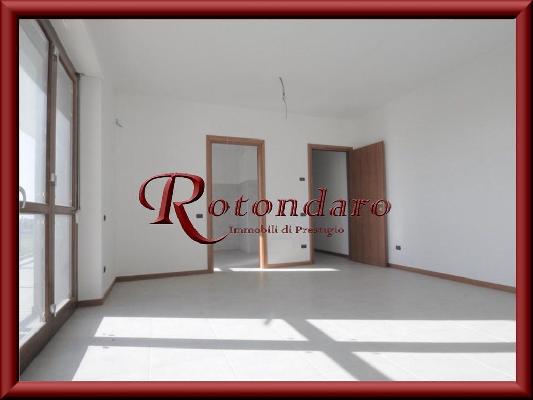 Appartamento in Vendita in Via Romagnosi 13 Magenta