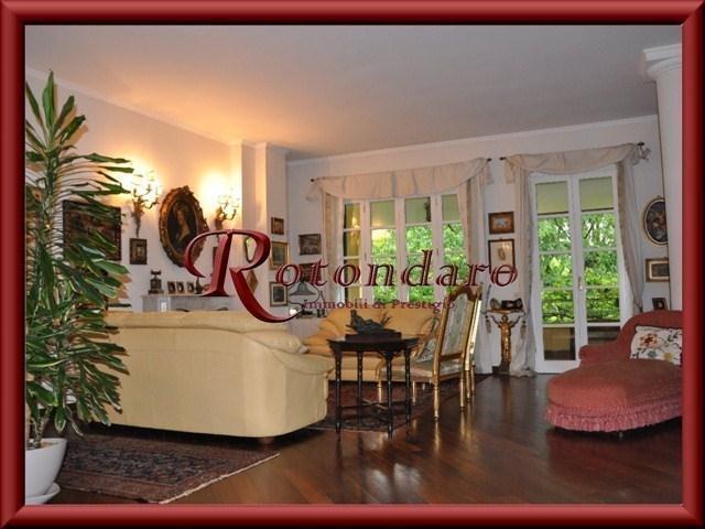 Villa in Vendita in Via reni Trezzano sul Naviglio
