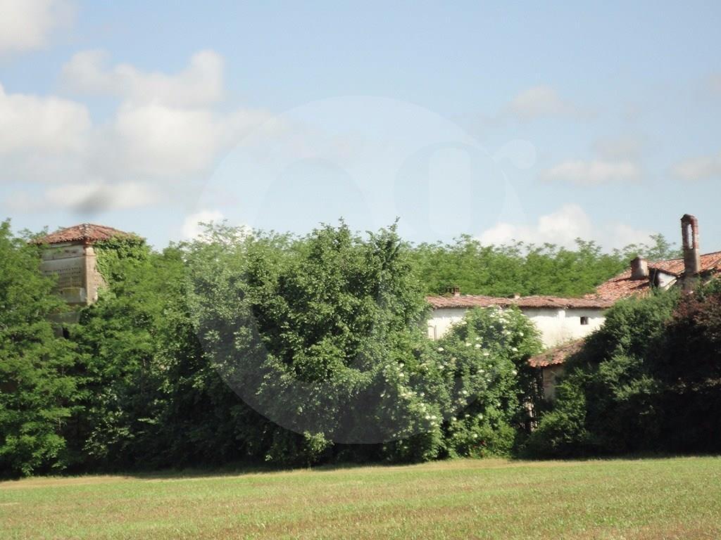 Castel Mella cascinale da ristrutturare in vendita