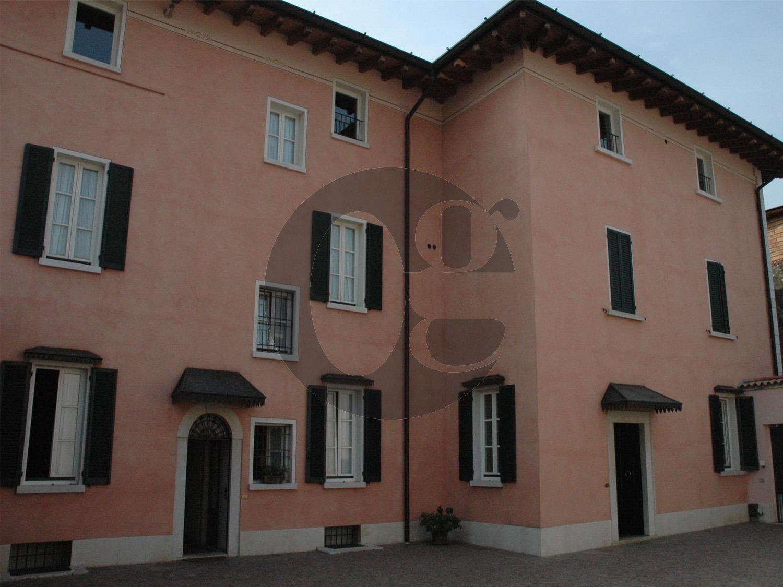 Palazzo / Stabile in vendita a Mazzano, 9 locali, Trattative riservate   PortaleAgenzieImmobiliari.it