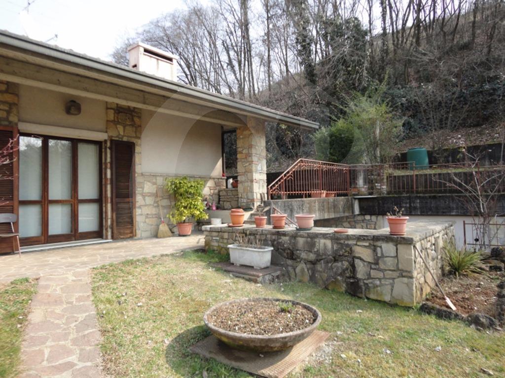 Cellatica villa singola con piscina in vendita