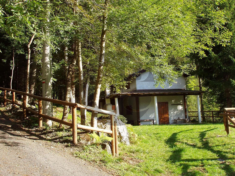 Val Camonica rustico in vendita con giardino