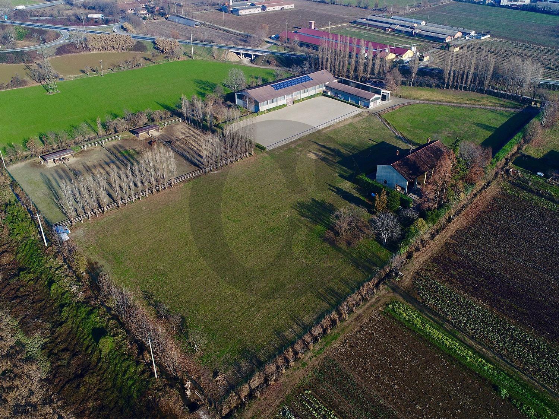 Azienda Agricola in vendita a Bagnolo Mella, 9 locali, Trattative riservate | CambioCasa.it