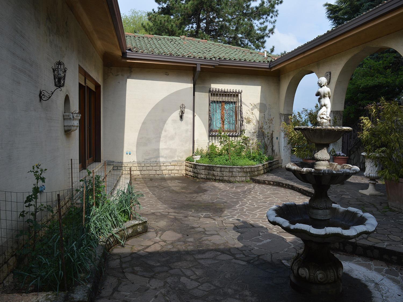 Costalunga Brescia villa singola con parco in vendita